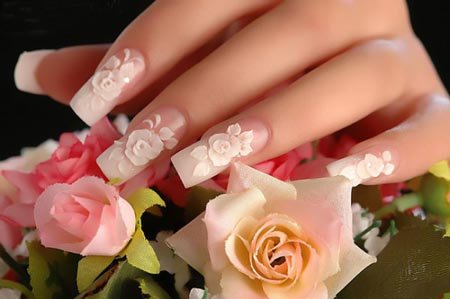 Gambar-Desain-Cat-kuku-cantik-motif-bunga